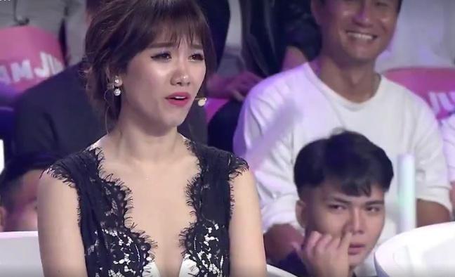 chang-trai-tre-khon-don-vi-liec-xeo-hari-won-tren-song-truyen-hinh-1
