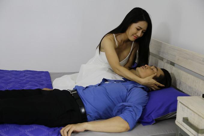 van-phuong-dong-cam-voi-nguoi-thu-ba-khi-vao-vai-gai-quan-bar-giat-chong-3