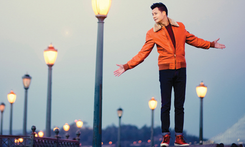 Quang Dũng trẻ trung trong bộ ảnh quảng bá album nhạc Pháp