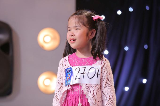 co-be-khiem-thi-9-tuoi-gay-xuc-dong-trong-tap-1-vietnam-idol-kids-1