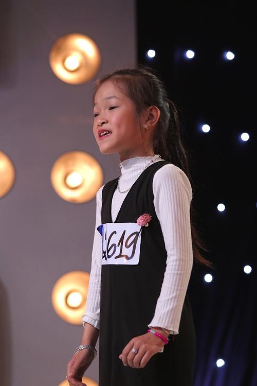 co-be-khiem-thi-9-tuoi-gay-xuc-dong-trong-tap-1-vietnam-idol-kids-5