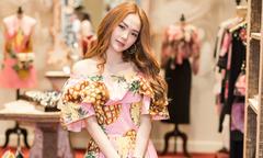Minh Hằng cuốn hút với thiết kế họa tiết miền nhiệt đới của Dolce & Gabbana