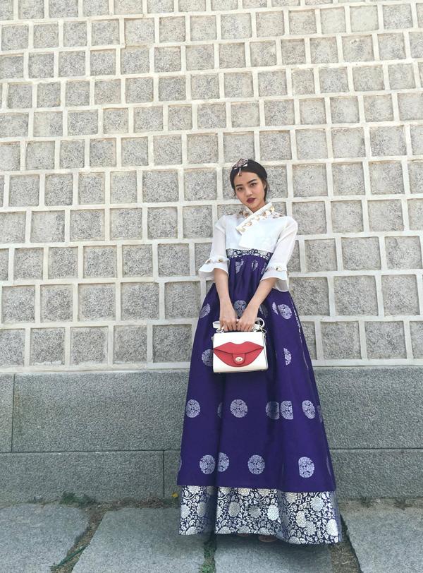 kieu-ngan-dien-hanbok-dao-choi-o-han-quoc