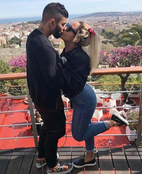Em gái Neymar và chàng tiền đạo Gabriel