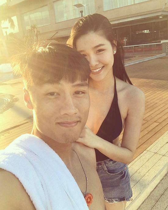 ky-han-dien-bikini-khoe-dang-chun-ben-mac-hong-quan-1