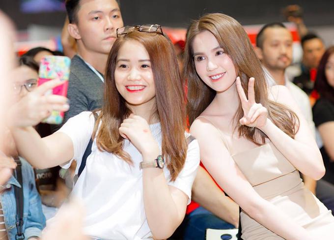 ngoc-trinh-khoe-lung-tran-sexy-trong-su-kien-6