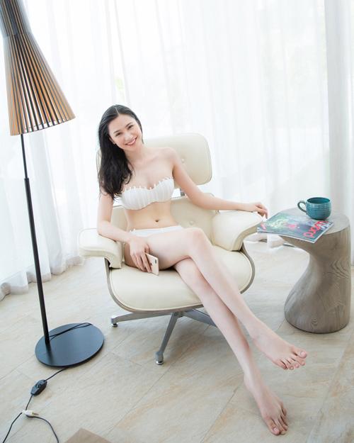 ngoc-duyen-va-dan-mau-dien-bikini-khoe-dang-sexy-3