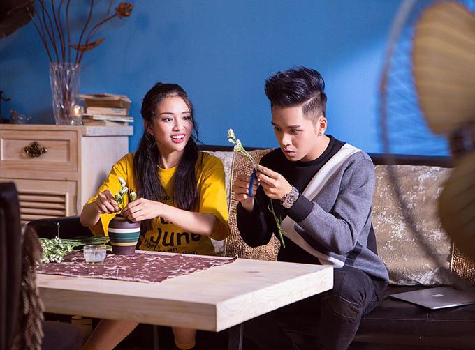 bach-cong-khanh-cung-hot-girl-9x-quay-mv-den-3h-sang