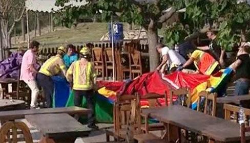 Bé gái 6 tuổi tử vong do lâu đài bơm hơi phát nổ
