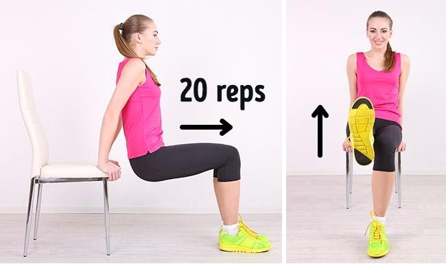 Ngồi ở rìa ghế, hai tay đặt lên thành ghế. Từ từ đưa người về phía trước sao cho mông không chạm thành ghế.