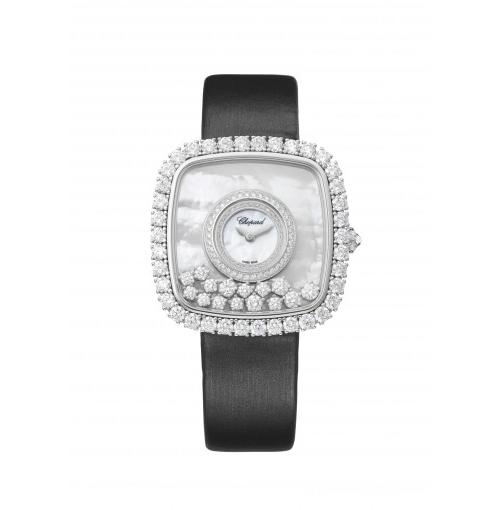 Chiếc đồng hồ ra đời vào dịp kỷ niệm 40 năm bộ sưu tập Happy Diamond, lấy cảm hứng từ mẫu Happy Diamond năm 1976, được làm bằng vàng trắng 18k, khảm trai tự nhiên với họa tiết vân mây. Trên mặt đồng hồ là 15 viên kim cương với các kích thước khác nhau tự do nhảy múa. Ngoài ra, thiết kế còn được đính 4,57 carats kim cương theo kiểu cấn ổ chấu đi tiên phong bởi Chopard, phô diễn trình độ chế tác kim cương điêu luyện của thương hiệu. Sản phẩm còn là phiên bản giới hạn với số lượng 150 chiếc trên toàn thế giới.