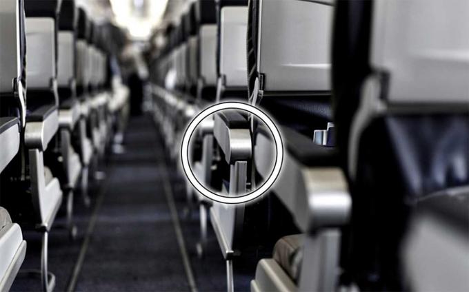 Chỗ ngồi trên máy bay có giới hạn nhất định do không gian chật hẹp. Tuy nhiên, hành khách vẫn có thể cơi nới đôi chút để cảm thấy dễ chịu hơn, đặc biệt là những người có thân hình quá khổ.
