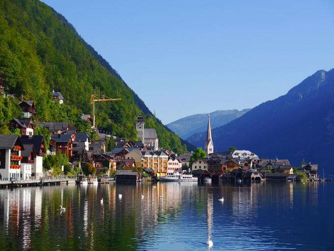Sống chậm ở ngôi làng nhỏ nổi tiếng Hallstatt
