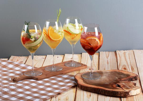 huong-vi-hap-dan-trong-tung-ly-cocktail-sangria-3