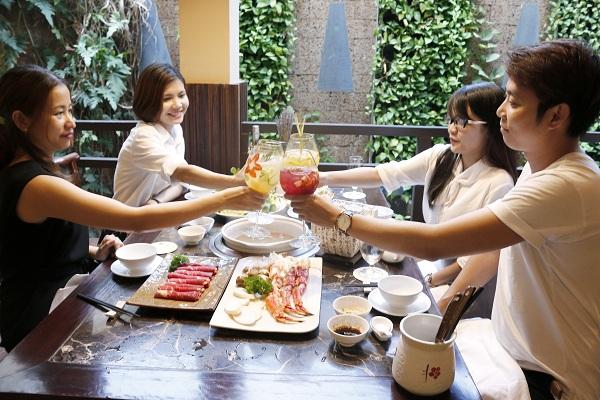 huong-vi-hap-dan-trong-tung-ly-cocktail-sangria-5