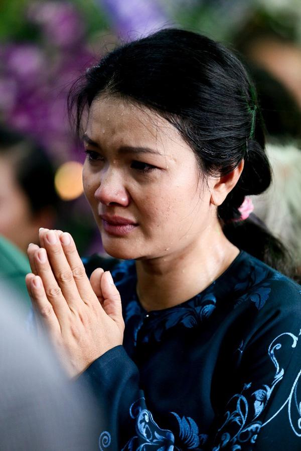 kieu-trinh-toi-tung-nghi-den-viec-nhay-xuong-huyet-di-theo-me-2