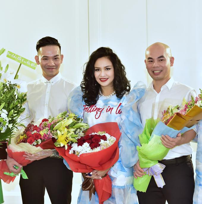 Thanh Lam cùng hai nhà thiết kế Vũ Ngọc và Son.