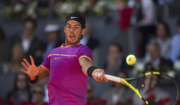 c-ronaldo-den-san-tennis-co-vu-ban-than-nadal-4