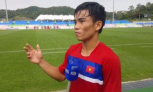 Cầu thủ U20 Việt Nam trả lời truyền hình Hàn Quốc bằng tiếng Anh