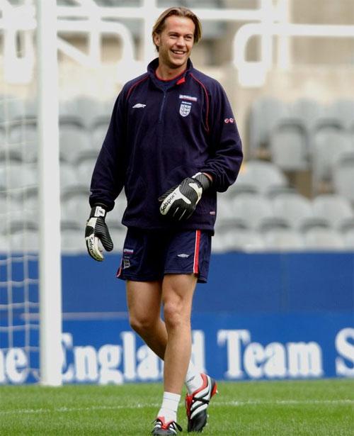 Cựu thủ môn Ian Walker từng khoác áo Tottenham Spurs. Ảnh: Mirror.