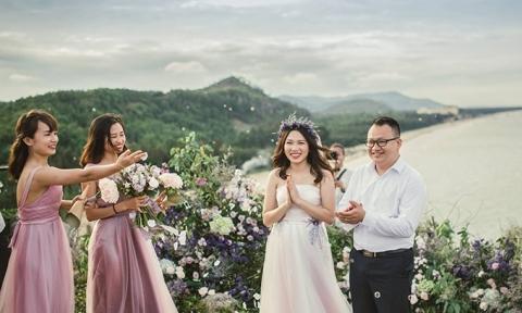 Đám cưới cổ tích bên mỏm đá ở Thanh Hoá của cặp đôi Hà thành