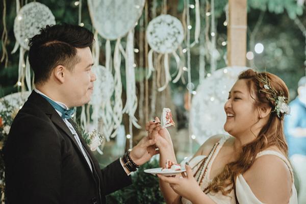 Cô dâu Mairel (Mei) và chú rể Charlemange (Cha), người Philippines, cùng sinh năm 1990.