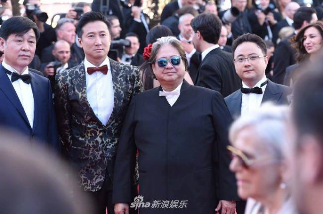 Hai cha con nghệ sĩ gạo cội Hong Kong: Hồng Kim Bảo, Hồng Thiên Minh.