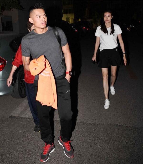 Nửa năm sau khi scandal ngoại tình xảy ra, Lin Dan và bà xã Tạ Hạnh Phương