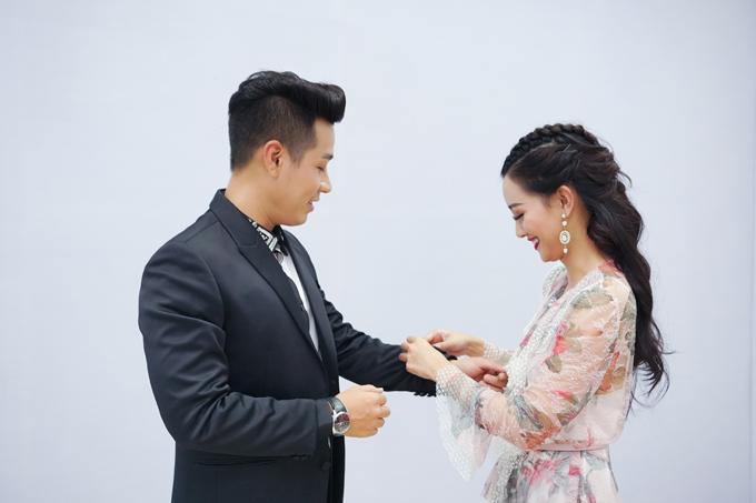 mc-nguyen-khang-cham-soc-quynh-chi-nhu-tinh-nhan-6