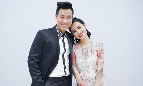 MC Nguyên Khang chăm sóc Quỳnh Chi như tình nhân