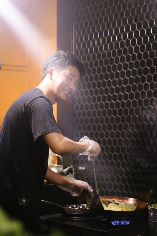 hari-won-tro-tai-do-banh-xeo-truoc-rapper-han-quoc-4
