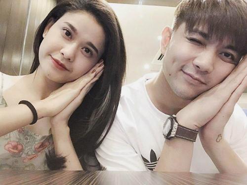 sao-viet-da-chia-tay-nhung-van-phu-nhan-tin-don-ran-nut