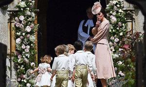 Cách dạy con của Công nương Anh tại đám cưới em gái khiến fan ngưỡng mộ