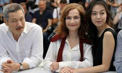 Kim Min Hee sánh vai người tình ở Cannes bất chấp scandal cướp chồng