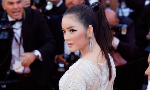 Lý Nhã Kỳ đổi style lạnh lùng trên thảm đỏ Cannes