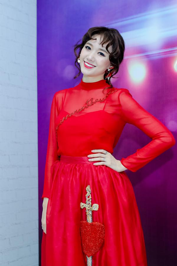 hari-won-gay-nhom-sau-khi-giam-gan-10-kg-3