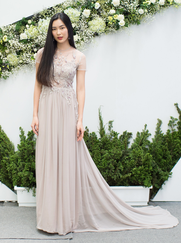 Fashionist Helly Tống