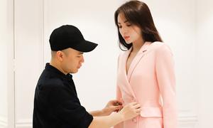 Kỳ Duyên hào hứng thử trang phục dự show Đỗ Mạnh Cường ở Phú Quốc