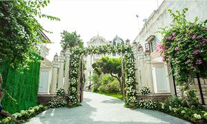 Lễ ăn hỏi hoành tráng trong 'lâu đài triệu đô' ở Nam Định