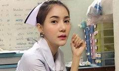 Nữ y tá buộc phải thôi việc vì quá gợi cảm