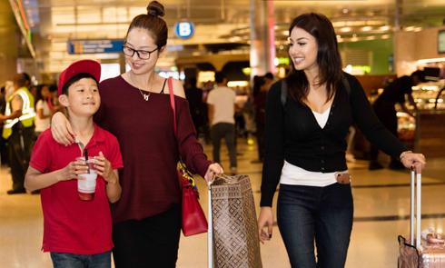 Con trai Bảo Nam và em gái ra sân bay đón Jennifer Phạm