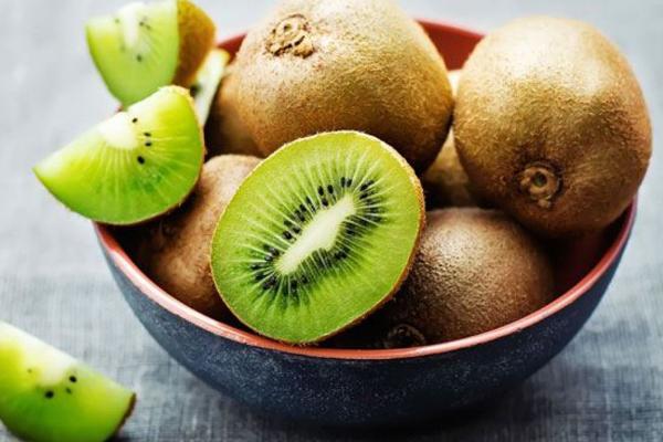 Kiwi giàu chất xơ và vitamin C, lại chứa ít đường hơn hầu hết các loại hoa quả khác.