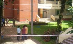 Nam sinh chết trong khuôn viên trường đại học