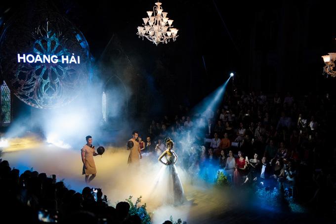 nha-thiet-ke-viet-chuong-mot-to-chuc-show-dien-ngoai-troi-3