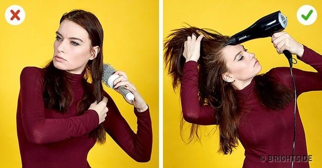Chỉ chải tóc sau khi đã sấy khô. Chải đầu khi tóc còn ướt sẽ khiến tóc mất đi độ phồng tự nhiên.