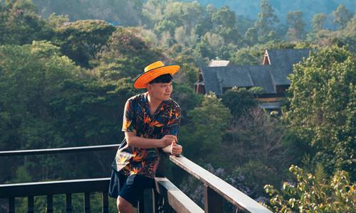 Trịnh Tú Trung mê mẩn cảnh đẹp hùng vĩ ở Chiang Mai