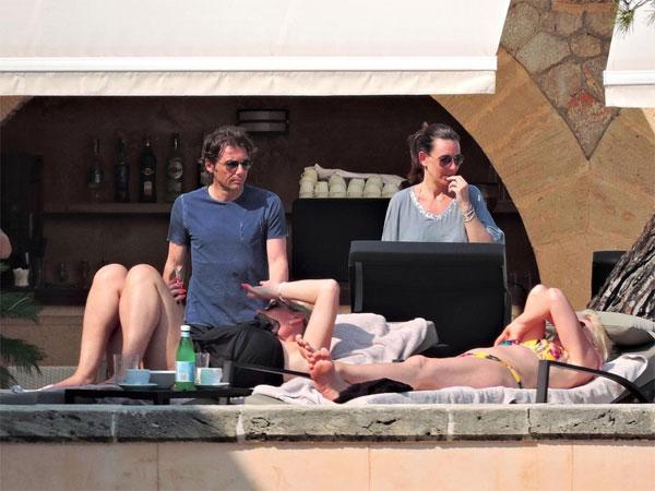 HLV Conte nghỉ ngơi thư giãn trước khi chuẩn bị đi du đấu cùng các học trò mùa hè này