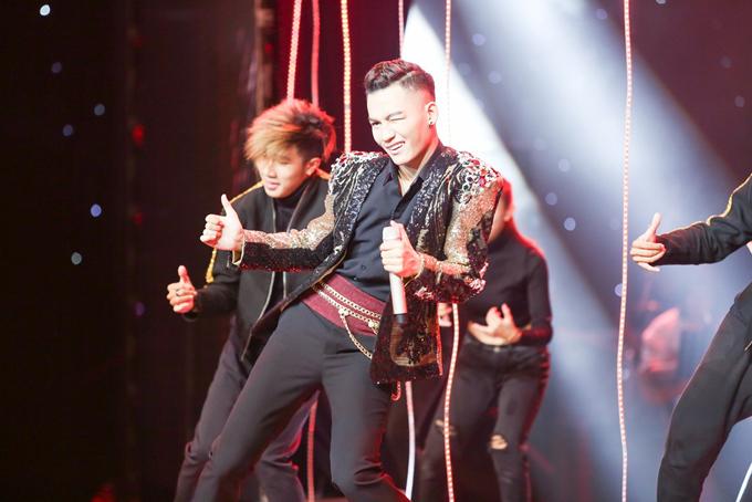 hanh-trinh-den-ngoi-quan-quan-the-voice-2017-cua-ali-hoang-duong-6