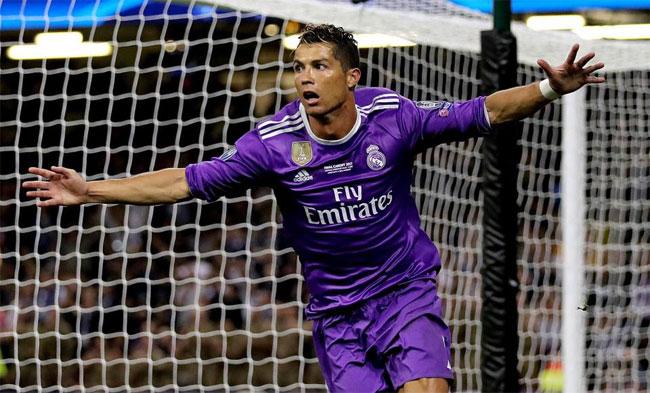 Với cú đúp vào lưới Juve, C. Ronaldo đã có 600 bàn trong sự nghiệp, đồng thời vượt qua Messi trở thành Vua phá lưới Champions League mùa giải năm nay.