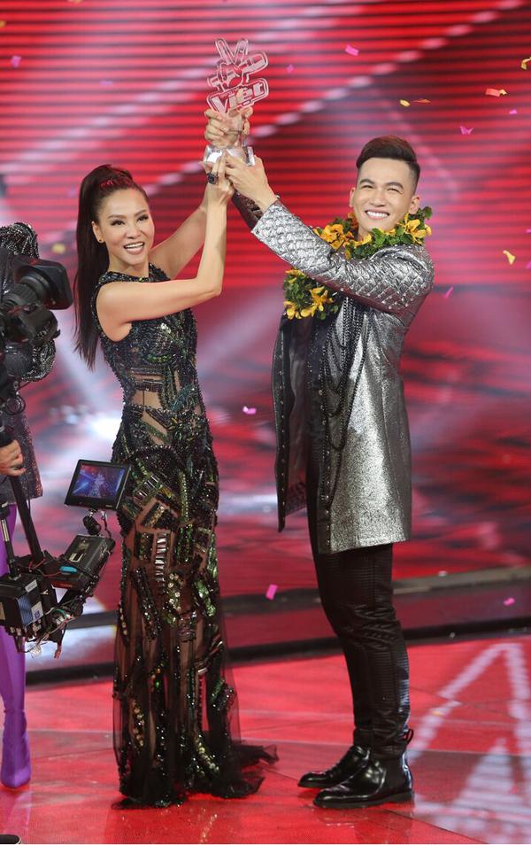 hanh-trinh-den-ngoi-quan-quan-the-voice-2017-cua-ali-hoang-duong-9